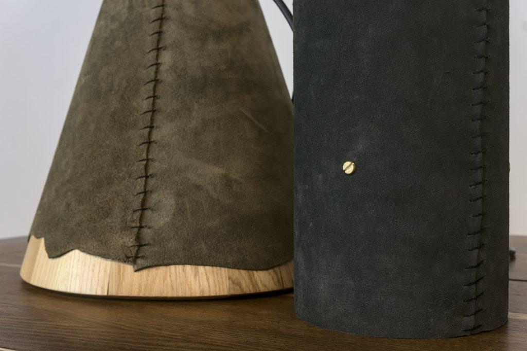 Lampy drewniane ze skora